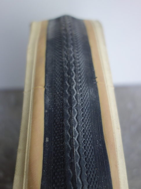 "Classic Panaracer Pasela folding skinwall road tyre in hard to find 27 x 1 1/8"" size"
