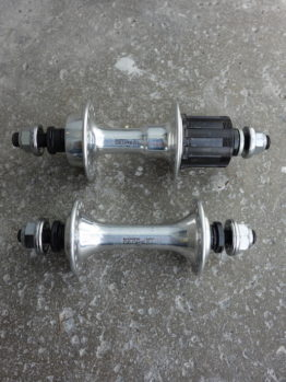 1980s Shimano Deore XT M730 UG bolt on pair of hubs